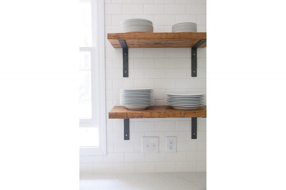 Subway Tile + Simple Shelf Brackets