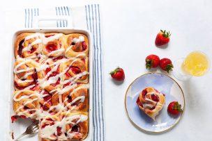 Strawberry Swirl Buns