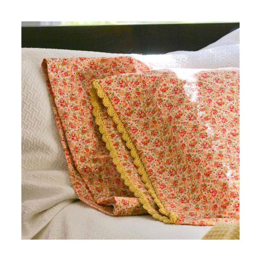 Crochet-Trimmed Pillowcases